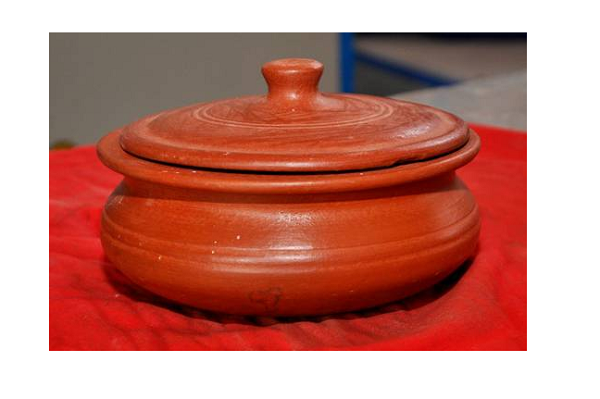 Heat Resistant Earthen Pots for Microwave Ovens