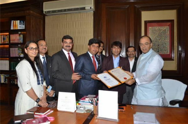Union Minister for Finance and Corporate Affairs awarding CS Membership